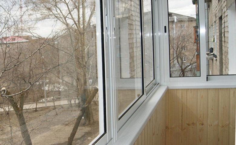 Ростов, ремонт балкона под ключ, зима 2018. Подрядчик – ООО Алмаз