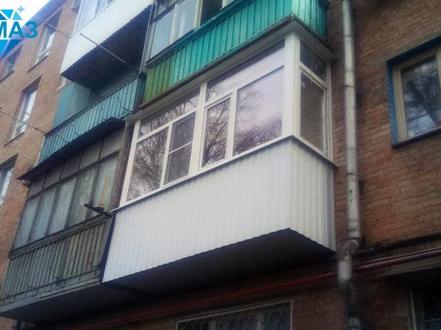 Фото балкона после окончания всех работ по утеплению и отделке